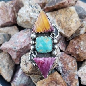 Navajo handcrafted turquoise & spiny oyster ring